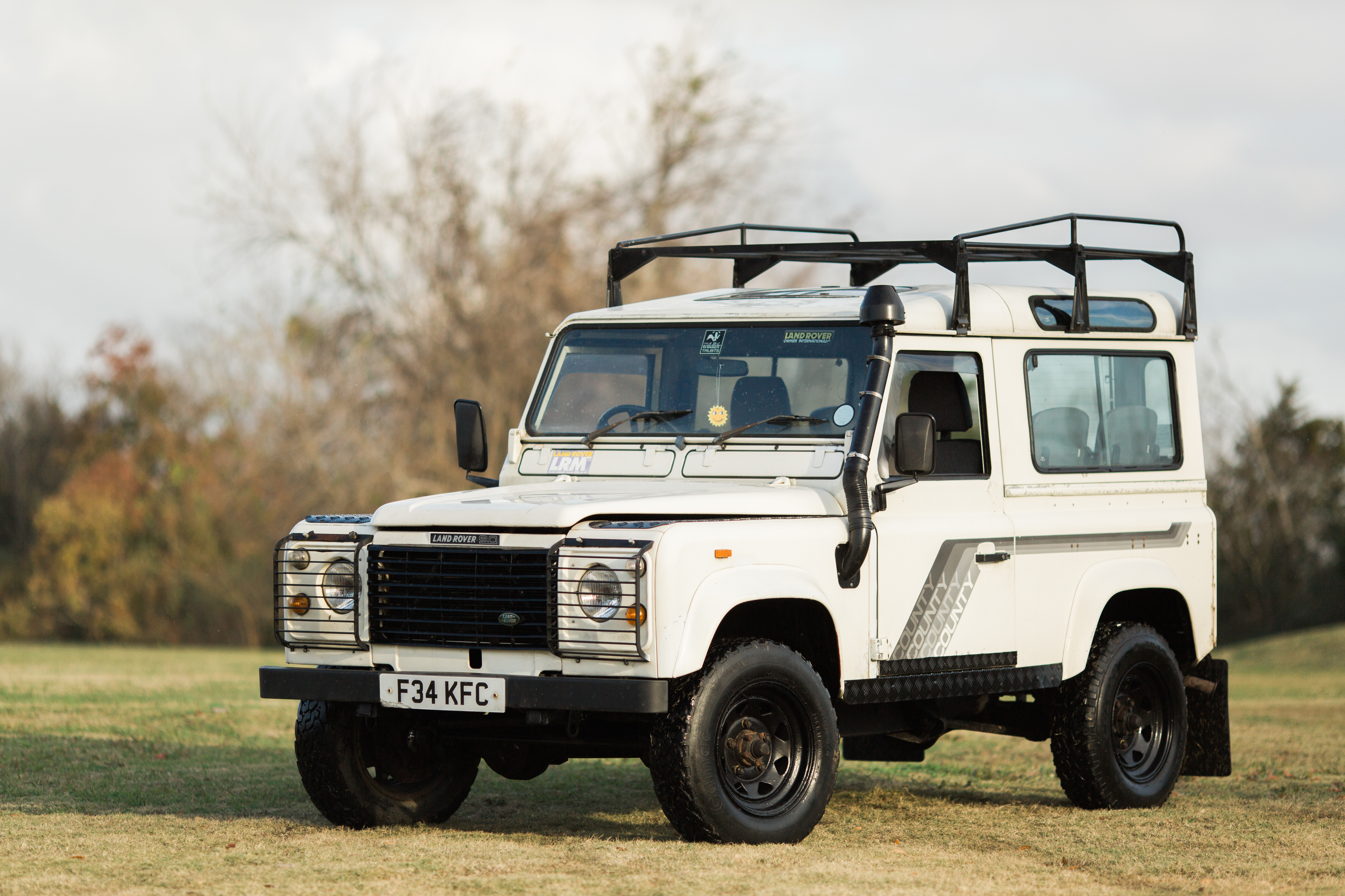 County SW Land Rover Defender 90